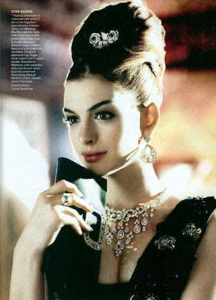 Anne Hathaway tipo Audrey na