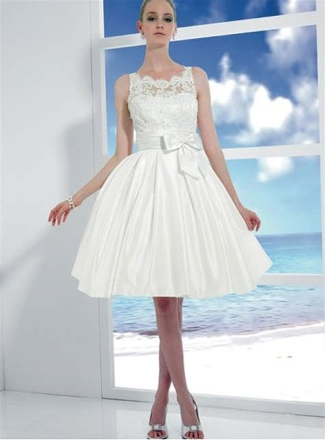 Simple Short Wedding Dresses Beach   Styles of Wedding Dresses