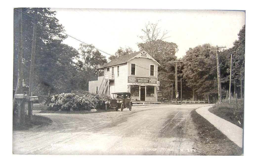 Cottagewood Grocery  1910