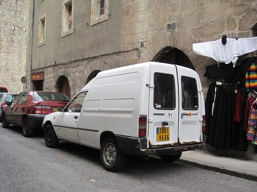 Furgoneta Peugeot a Vilafranca del Conflent