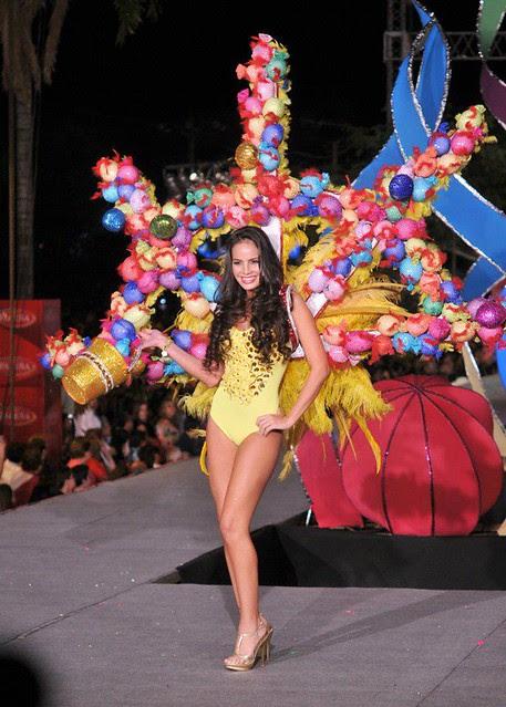Ximena Vargas en el Boulevard Carnaval 2012