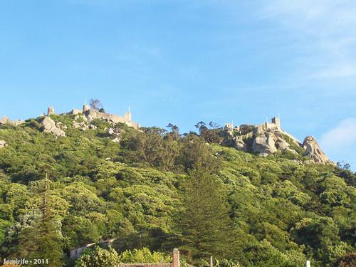 Sintra: Castelo dos Mouros vista cá de baixo