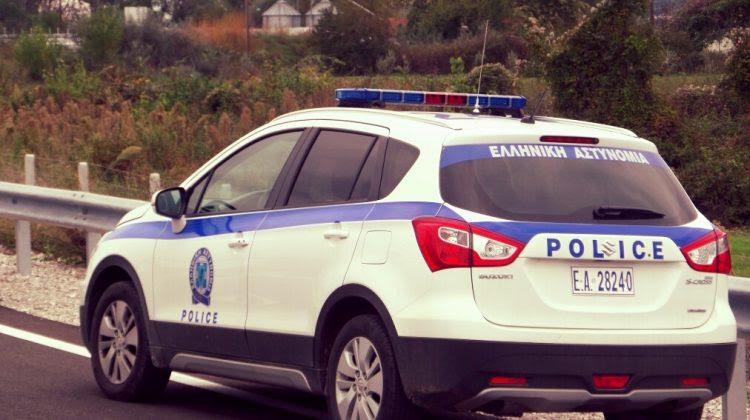 Νεαρός Τρικαλινός συνελήφθη με ρόπαλα και μαχαίρι στο αυτοκίνητο
