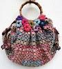 Un sac, du crochet,du Liberty, de la dentelle et quelques fleurs