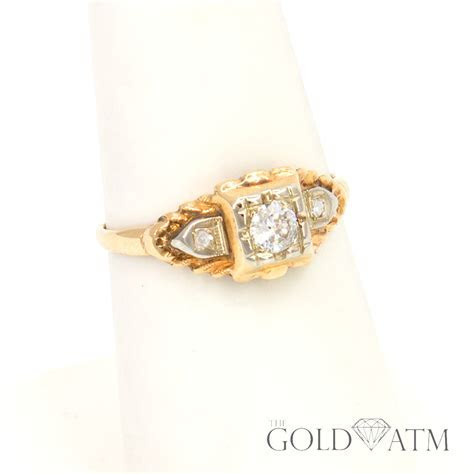 Vintage 14K Yellow Gold Diamond Engagement Ring (size 6 1