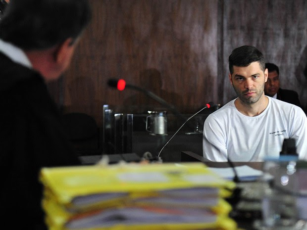 Tiago Henrique Gomes da Rocha, de 28 anos, apontado como serial killer que teria executado 35 homicídios, participa do primeiro de seus julgamentos. Ele foi condenado a 20 anos de prisão (Foto: Tribunal de Justiça do Estado de Goiás)