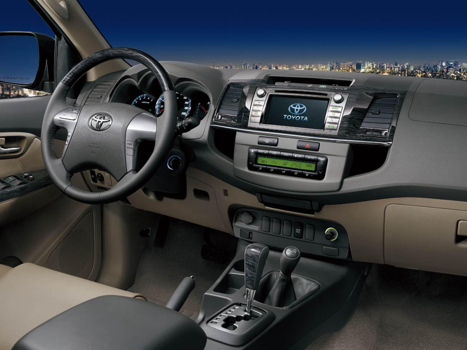 Em termos de segurança a Toyota SW4 2015 2016 é bem completa, a ...