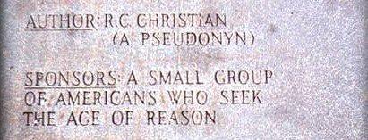 guidestones21 e1289684598456 Mistérios em torno das Guias da Geórgia