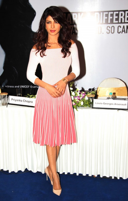 Priyanka-Chopra-Bollywood-Indian-Celebrities-Launch-Unicef-Mobile-Application-Photos-6