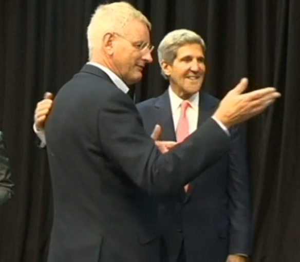 Carl Bild & U.S. State Secrt in Vilnius meting