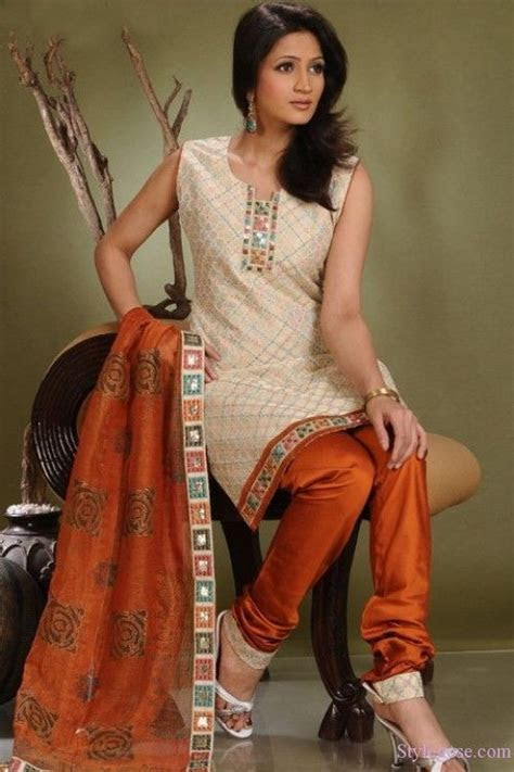 25 best images about Salwar Poses on Pinterest   Designer
