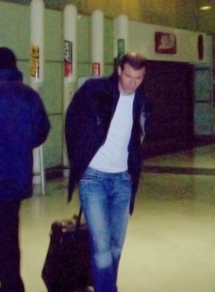 File:Zidane Paris CdG.png