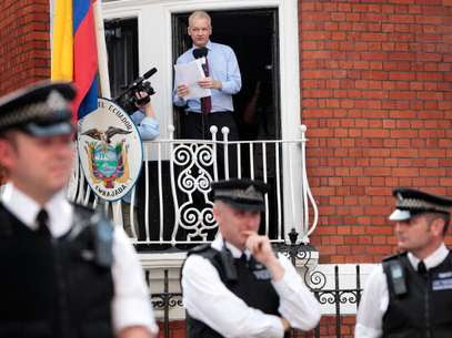 Assange, quien se encuentra recluido con asilo político en la embajada de Ecuador en Londres, dijo que respalda la labor de Snowden. Foto: Getty Images