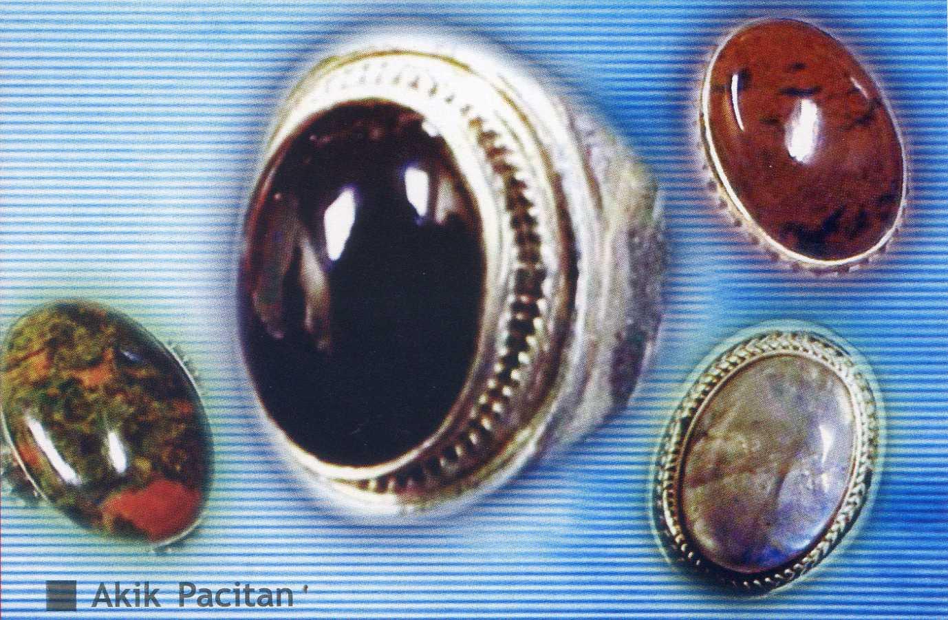 Secara spisifik, Akik Pacitan mempunyai ciri khas dibandingkan dengan ...