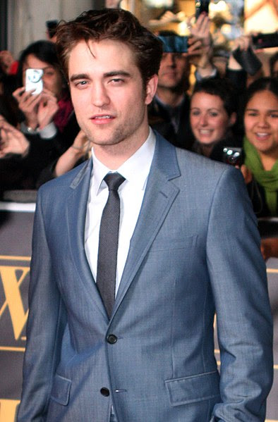 File:Robert Pattinson May 2011.jpg