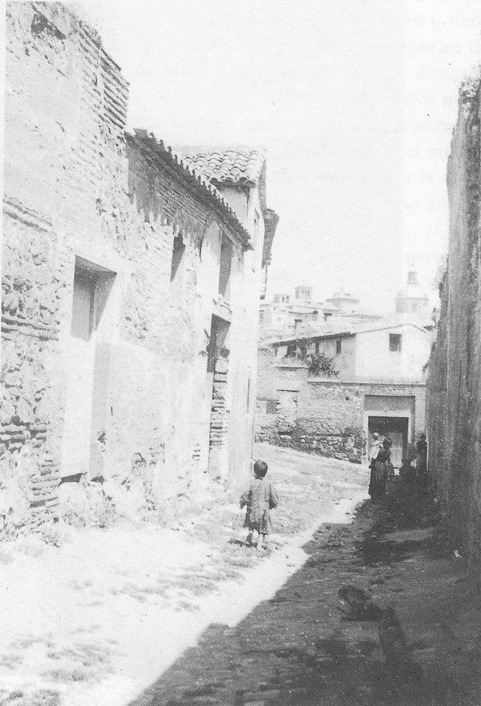 Calle de San Torcuato a inicios del siglo XX, hacia 1910. Fotografía de Pedro Román Martínez