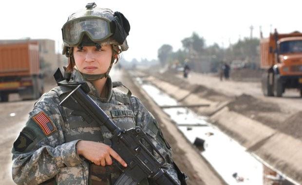 Kadınlara askerlik yapma zorunluluğu getiren ülke hangisidir?