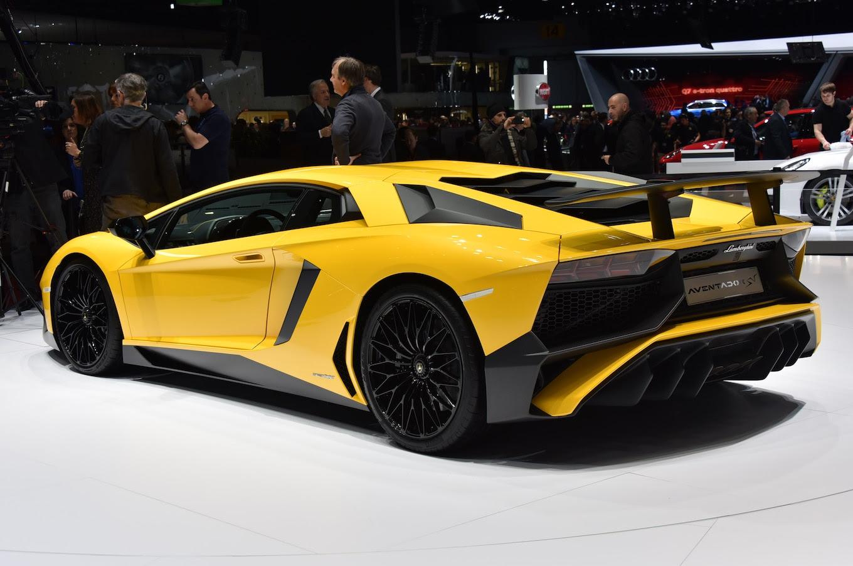 2016 Lamborghini Aventador SV Price Announced  Motor Trend WOT