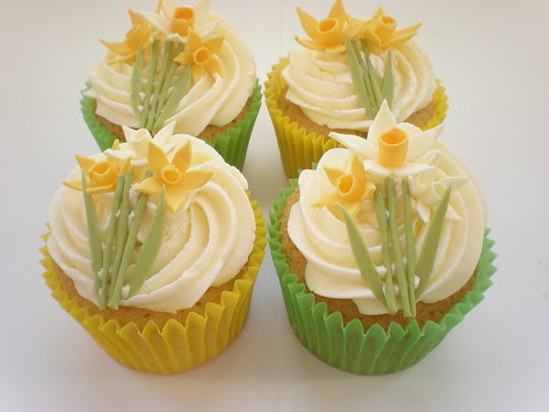 Spring Daffodil cupcakes by April Bakery