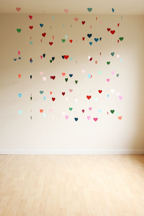 DIY: floating heart backdrop