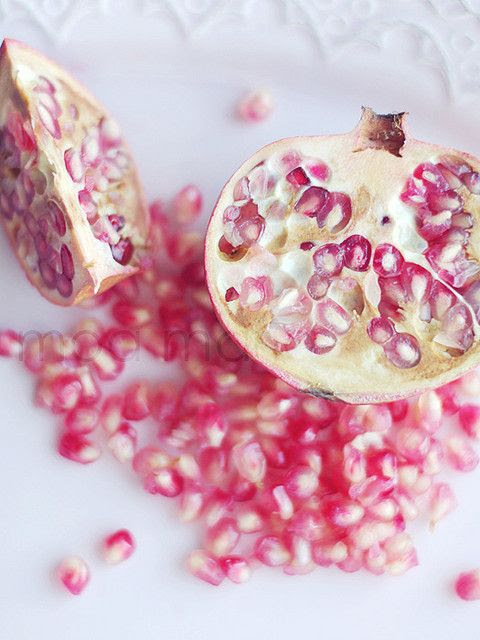Wonderfully gorgeous pomegranate. I don't know why, but this picture makes me want to cry it's so beautiful
