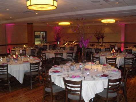 Decor lighting for a wedding reception at Pinstripes in