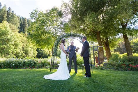 Our 9 Best Outdoor Wedding Photography Tips   Bergreen
