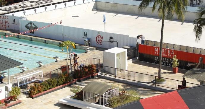 Foto da nova piscina do Flamengo em abril, ainda em obras (Foto: Divulgação/Flamengo)