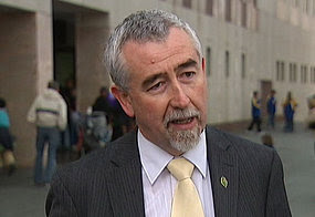 ACT Liberal Senator Gary Humphries says the Greens are attempting to manipulate the legislation to promote their policies.