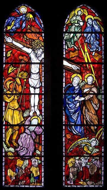 Holy Cross window (Reyntiens)