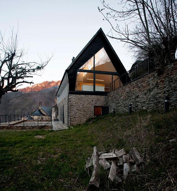 extraordinary-house-design-with-extraordinary-views-of-pyrenees-13.jpg