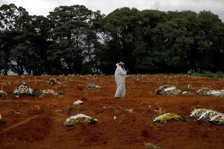 As virus deaths slam Brazil, President Bolsonaro hails an experimental nasal spray from Israel 'miraculous.