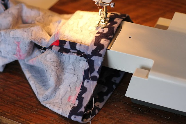 sewing elastic casing for waist (tutorial)