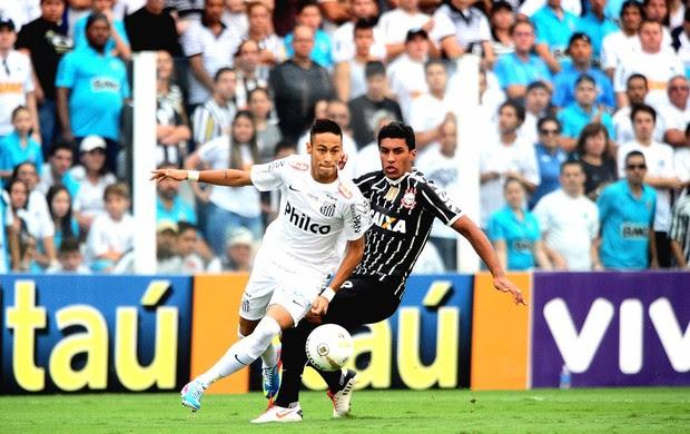 Neymar santos paulinho corinthians final paulistão (Foto: Marcos Ribolli / Globoesporte.com)
