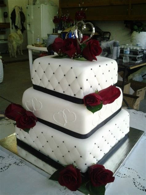 Black And White Square Wedding Cake   CakeCentral.com