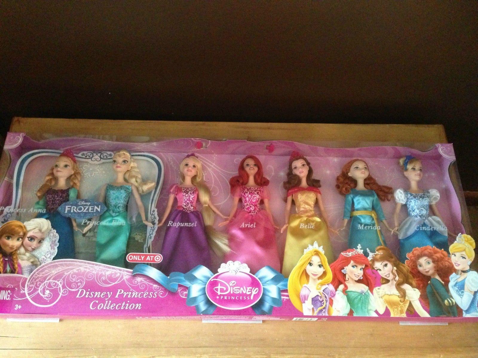 Anna And Elsa In Disney Princess Anak Patung Disney