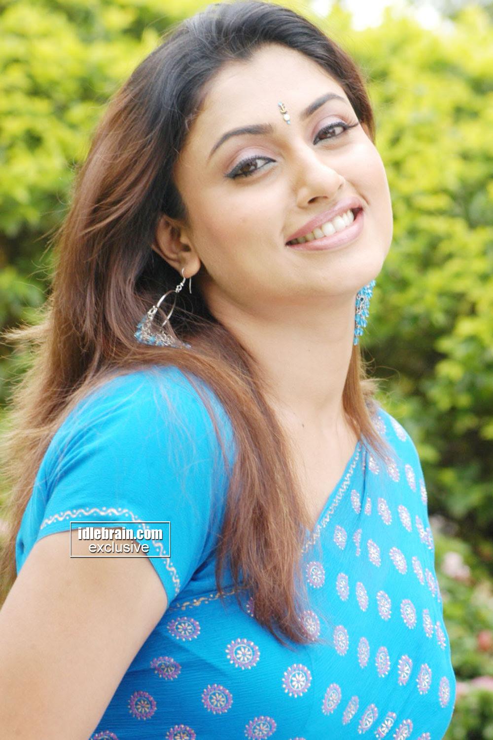 Malavika Indian Tamil Film Actress Very Hot And Sexy Pics