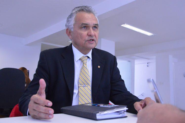 PSL avalia colocar general Girão como líder do partido na Câmara