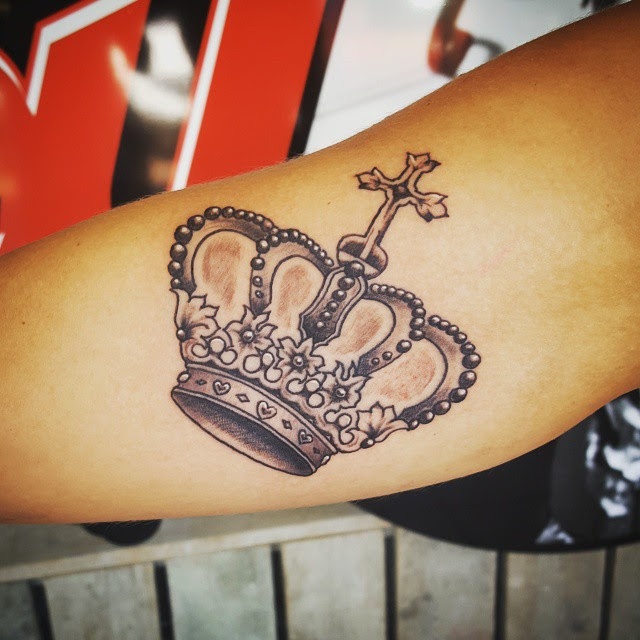 55 Best King And Queen Crown Tattoo - Designs & Meanings ...