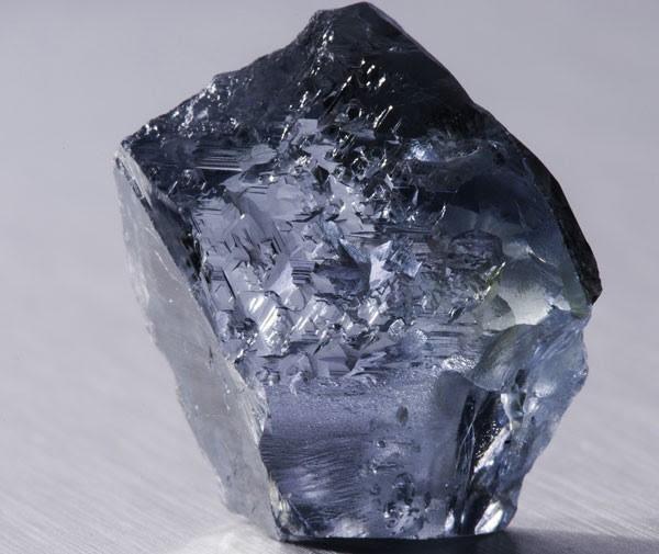 Diamante azul foi encontrado em mina na África do Sul. (Foto: AFP PHOTO/PETRA DIAMONDS LIMITED/Philip Mostert)