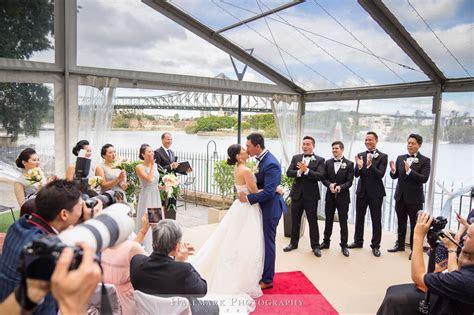 Customs House Wedding Celebrant   Brisbane City Celebrants