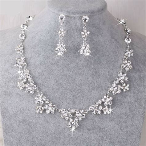 UK Silver Wedding Bride Crystal Diamond Flower Necklace