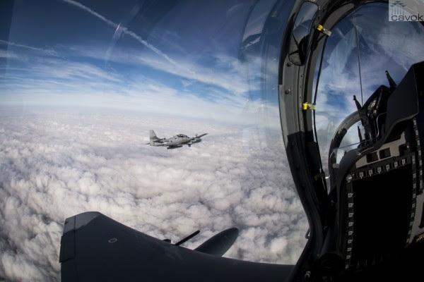 Durante el primer vuelo, se utilizaron dos aviones A-29 Super Tucano. (Foto: aviador mayor Ryan Callaghan / USAF)