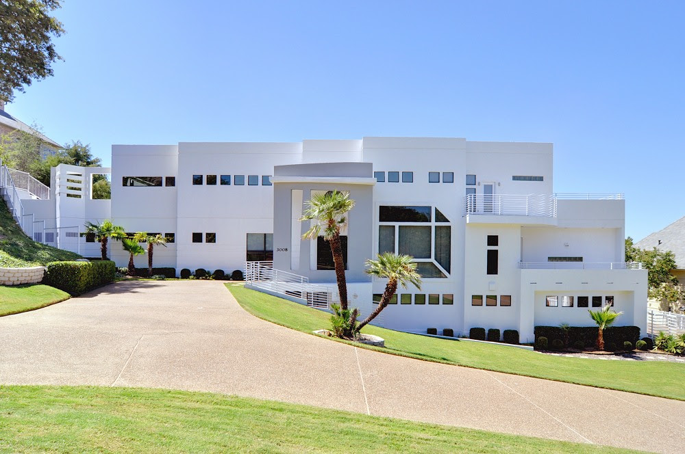 2.63 Acre Contemporary Estate - $1,975,000 - Pricey Pads