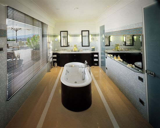 panoramic view at the penthouse / suite bathroom  / hotel martinez cannes  by Concorde Hotels Resorts,