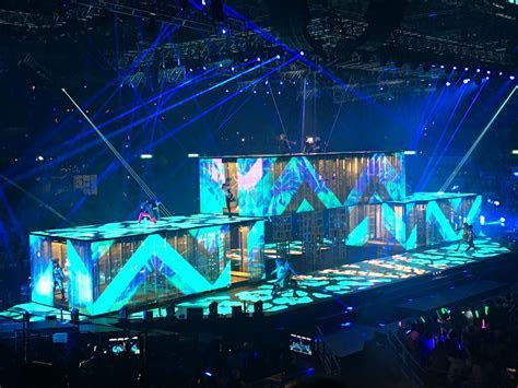 Pin by IFB16CYNDI on Life   Concert stage design, Stage