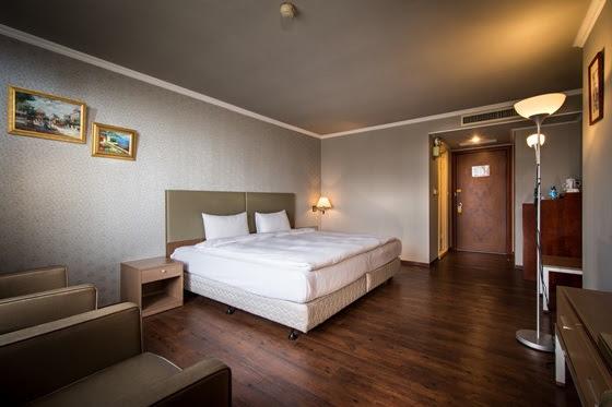 日月光飯店/新竹都會館 Hotel J