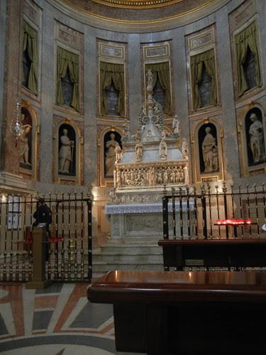 DSCN4591 _ Basilica di San Domenico, Bologna, 18 October