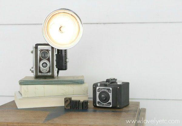 DIY vintage camera lamp to make
