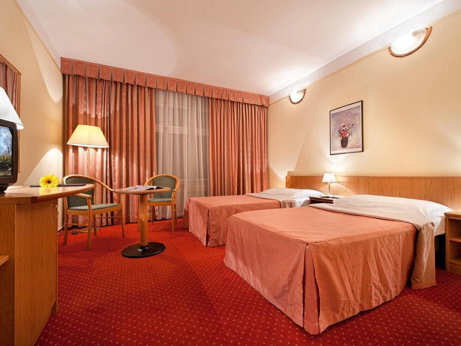 Hotel Aron Reviews